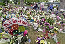 Flowers for Laci Peterson. Source: findlaci2003.us